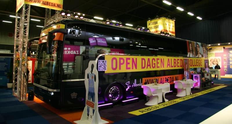 roadshow-bus