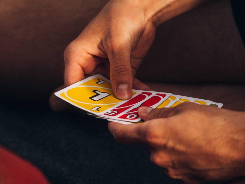 https://www.goedomtedelen.nl/dit-zijn-de-populairste-kaartspellen-van-dit-moment/